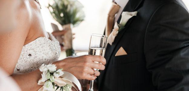 Ile dać do koperty na wesele?