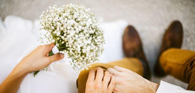 Jak się nazywają rocznice ślubu? Nazwy rocznic ślubu ściągawka