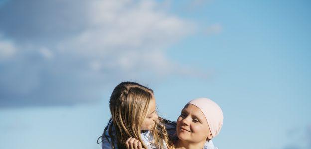 Ta kobieta podjęła samodzielną walkę z rakiem: to historia ku przestrodze