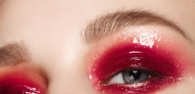Glossy eye makeup