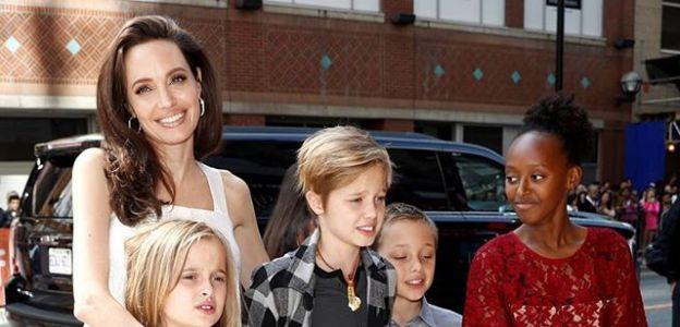 Angelina Jolie dała córkom ważną życiową radę. Wszyscy rodzice powinni powiedzieć to młodym kobietom