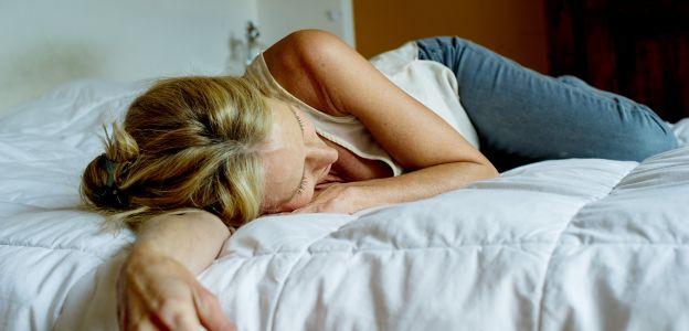 Oddychanie księżycowe metoda na wiercenie się i kłopoty ze snem