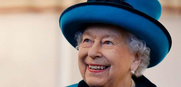 Rodzina królewska odnosi się do The Crown?