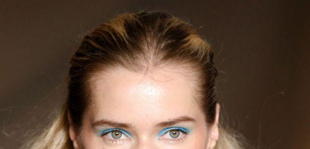 URODA TRENDY 2020: Niebieski makijaż oka