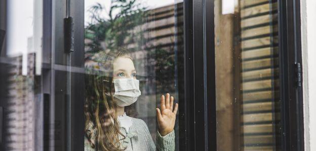 Są nowe zalecenia rządu w związku z koronawirusem w Polsce, w tym specjalne godziny zakupów dla seniorów