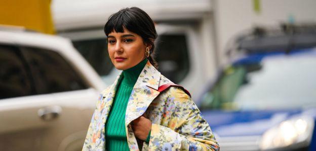 Moda trendy wiosna 2020: cienkie swetry na wiosnę 2020