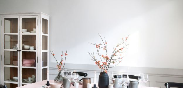 Stół na Wielkanoc w stylu wabi-sabi