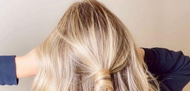 Buttercup blonde modny kolor włosów na lato