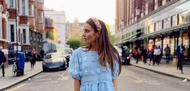 Niebieska sukienka na lato