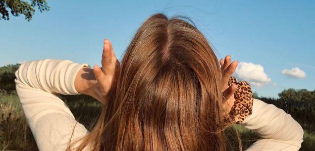 Susz włosy od góry do dołu