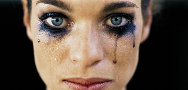 """Centrum Praw Kobiet z mocną kampanią """"STOP kobietobójstwu"""" przeciwko przemocy wobec kobiet"""
