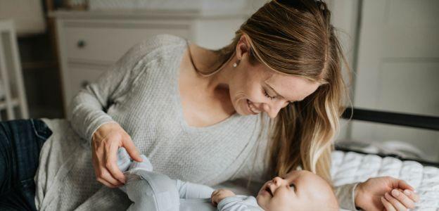 Jak budować więź z dzieckiem od narodzin? Te zachowania mogą mieć wpływ na całe jego życie