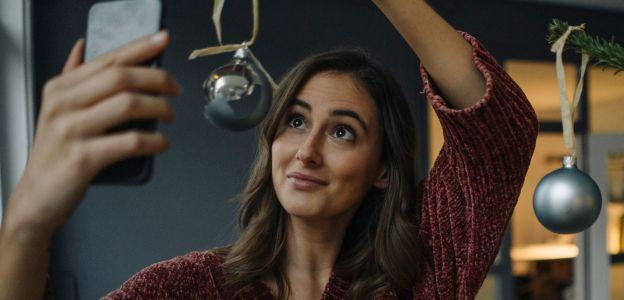 Covidowe bombki, czyli dekoracje na choinkę 2020 z poczuciem humoru
