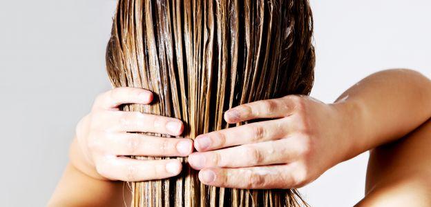 Pielęgnacja włosów - metoda modlących dłoni