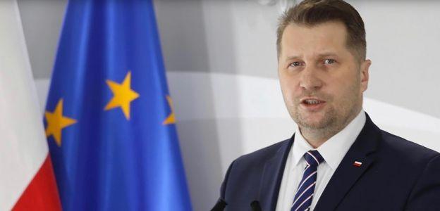 Minister Czarnek chce zajęć z edukacji seksualnej w oparciu o encykliki Jana Pawła II: pomysł już budzi kontrowersje