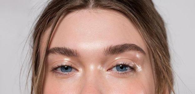 Modny makijaż na wiosnę 20210: GLASS SKIN