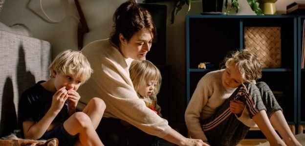 Badania wykazały, ile godzin pracuje potencjalna matka - to dokładnie 2,5 etatu