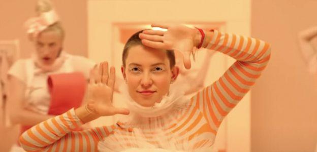 """Kate Hudson w ogniu krytyki po roli w filmie """"Music"""""""