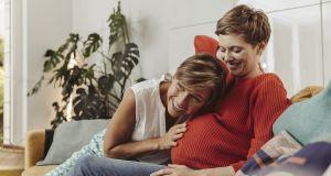 Sztuczna inteligencja pomaga kobietom zajść w ciążę - jak nazywa się aplikacja?
