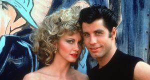 """John Travolta i Olivia Newton-John ponownie pokazali się razem jako para z """"Grease"""" - fani oszaleli"""