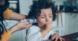 Krztusiec powraca: rośnie liczba dzieci chorujących w Polsce na krztusiec. Najnowsze dane są alarmujące