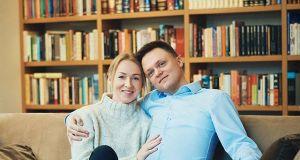 """Szymon Hołownia podziękował żonie: """"jesteśmy swoimi najlepszymi przyjaciółmi, oparciem, gramy do jednej bramki"""""""