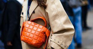 To oficjalnie najmodniejszy kolor na wiosnę 2020: trendy moda 2020