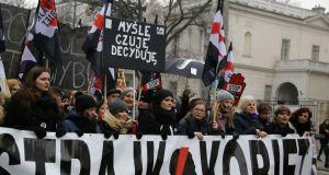 5 lat więzienia za wykonanie aborcji – wraca projekt kontrowersyjnej ustawy