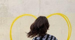 """Balenciaga w zaangażowanej społecznie kampanii """"Live to love"""" porusza ważny temat"""