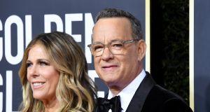"""Tom Hanks opowiedział o walce z koronawirusem: """"Bolało mnie całe ciało"""""""