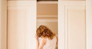"""NIEMCY: Nawet 2 lata za robienie zdjęć spod spódnicy? Co to jest """"upskirting"""" i jak będzie karany?"""