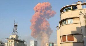 Te zdjęcia z wybuchu w Bejrucie ściskają gardło: co tak naprawdę się stało w stolicy Libanu?