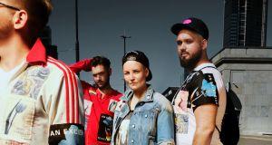 ZOBACZ PIERWSZA: Zalando i MISBHV łączą siły z Kampanią Przeciw Homofobii.  To historia ubrań, które przeszły wiele