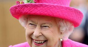 Elżbieta II nie pozwala odkurzać dywanów! Powód? Nie zgadniecie!