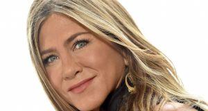 Post przerywany, kolagen i joga - urodowe sekrety Jennifer Aniston na wieczną młodość