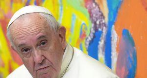 """Papież Franciszek do rodziców osób LGBT: """"Bóg kocha wasze dzieci takimi, jakie są"""""""