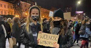 Wieniawa, Ostaszewska, Mucha, Mercedes i wiele innych. Gwiazdy na marszu kobiet wśród 100 tys. osób!