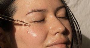Najlepsze olejki do twarzy - nasz subiektywny przegląd
