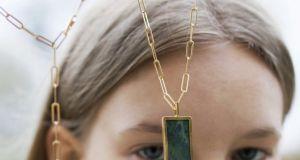 Co symbolizują biżuteryjne kamienie? Sprawdź, które przyniosą ci szczęście