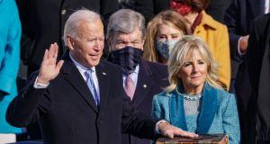 Jill Biden zachwyciła stylizacją na zaprzysiężeniu Joe Bidena: wybór kreacji Pierwszej Damy niesie za sobą przesłanie