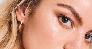 Zdziwicie się, jakie trendy w makijażu na czas pandemii przedstawił makijażysta Diora