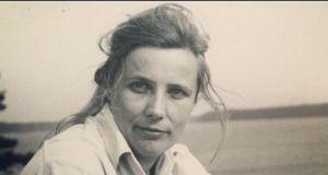 """Agnieszka Osiecka dwukrotnie rozczarowała się swoim ojcem: """"O takie chamstwo Ciebie nie podejrzewałam"""""""