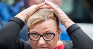 Burza wokół wypowiedzi Beaty Kempy. Jej zdaniem, aby kobieta mogła rozwijać się w polityce, potrzebuje...