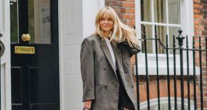 Moda trendy 2021: 7 najmodniejszych dodatków sezonu, które podkręcą wiosenną stylizację