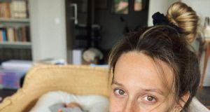 Ola Żebrowska pokazała jak karmi piersią. Podpis pod zdjęciem to mistrzostwo