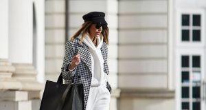 Ten płaszcz Anny Lewandowskiej na wiosnę robi furorę w sieci. Znalazłyśmy podobne w rozsądnej cenie