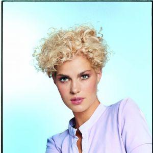 8 Pomysłów Dla Zapuszczających Włosy Kobietapl