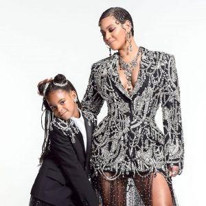 """Beyonce i Blue Ivy w tych kreacjach zachwyciły wszystkich. Po premierze """"Króla Lwa"""" fani mówią tylko o nich"""