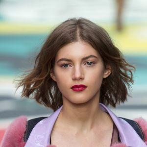Jak układać cienkie włosy?