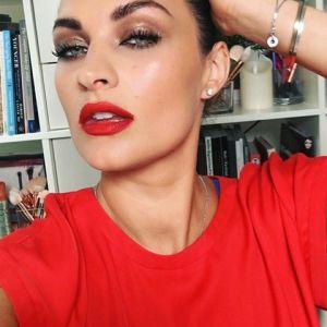 Czerwona Szminka Dla Kogo Taki Makijaż Ust Na Sylwestra Kobietapl